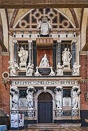 Frari (Venice) nave left - Monument to Doge Giovanni Pesaro.jpg