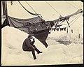 Fridtjof Nansen sitter og røyker pipe foran «Fram», juni 1894 (11463612844).jpg