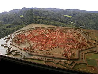 Early modern warfare - Model of city with polygonal fortifications