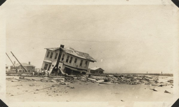 Galveston Hurricane 1915 wrecked home