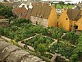 Garden, Culross Palace - geograph.org.uk - 930899.jpg