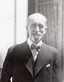 Georges Mouveau en 1934 , artiste peintre décorateur.jpg