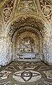Giardino di castello, grotta degli animali o del diluvio, vasca centrale 00.jpg