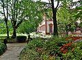 Giardino storico di villa Ghirlanda visto dalla facciata orientale.Fioritura primaverile, statue e roseto.JPG