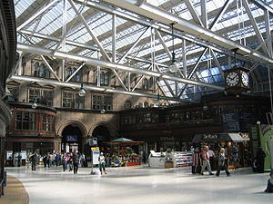 Transport in Glasgow - Inside Glasgow Central railway station