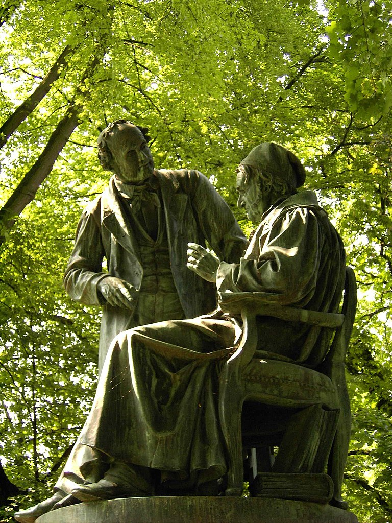A monument in Göttingen depicting Gauss with physicist Wilhelm Weber. Photo credit: Longbow4u/Wikimedia Commons [Licensd under CC BY Public Domain]