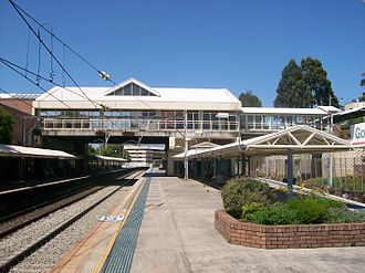 Gosford railway station - Southbound view from Platform 2 in January 2011
