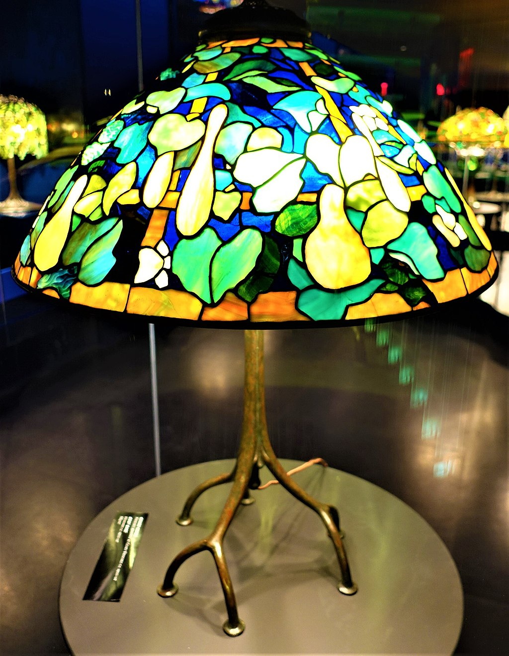 Gourd Shade - Tiffany Lamp - www.joyofmuseums.com - New-York Historical Society
