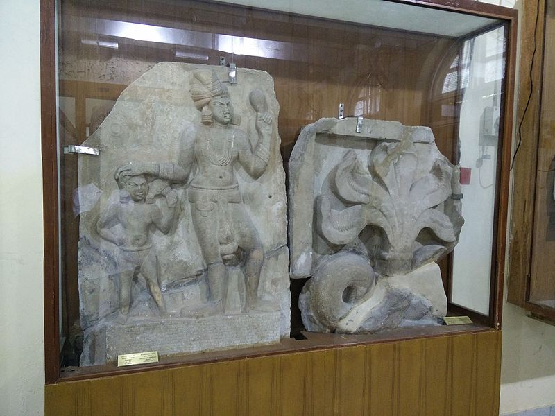 File:Govt museum chennai Amaravati stupam 2.jpg
