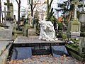 Grave of Jerzy Kolanowski and Family - 01.jpg