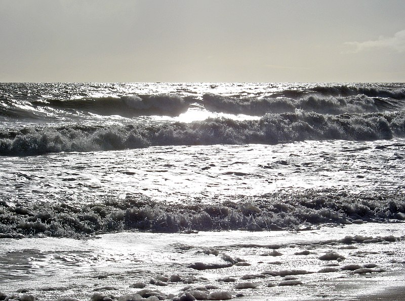 File:Gray ocean surf.JPG
