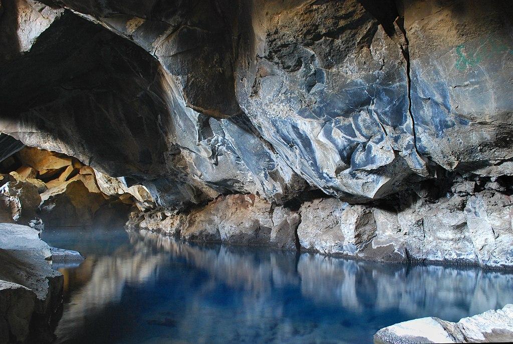 Grjótagjá caves in summer 2009 (2) by DerHexer