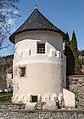 Gurk Domplatz SW-Wehrturm am Friedhof 11042016 1395.jpg