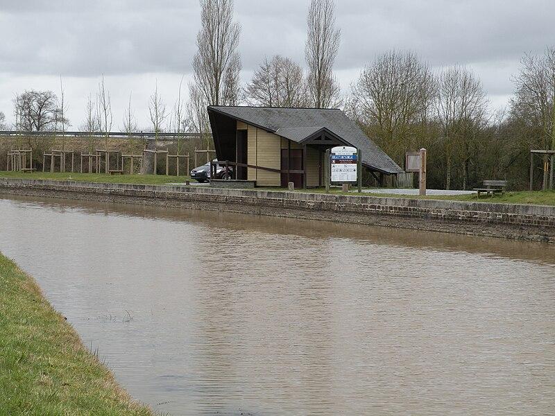 The canal de Nantes à Brest in Héric