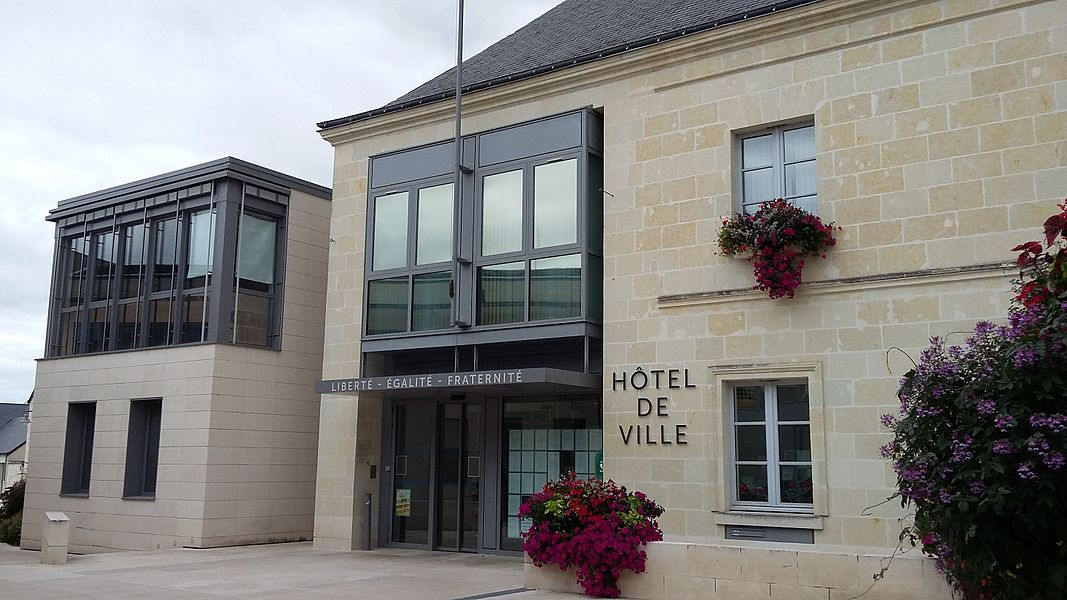 Façade de la maire d'Avoine (Indre-et-Loire)