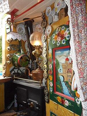 Hadar (narrowboat) - Hadar's boatman's cabin interior