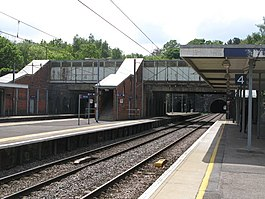 Hadley Wood station (2) - geograph.org.uk - 1403169.jpg