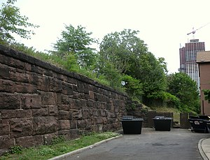 Harsimus Stem Embankment - Retaining wall