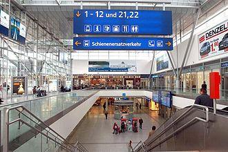 Linz Hauptbahnhof - The current main hall.