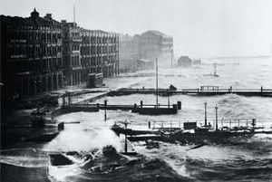 1906 Hong Kong typhoon - Coastal Hong Kong during the typhoon