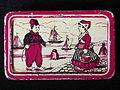 Hollandsche Duitsche Automaten-Maatschappij blikje met afbeelding van boertje en boerinnetje, foto4.JPG