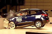 Photo de profil gauche d'un crash-test d'une Hyundai Tucson