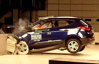 Insurance Institute for Highway Safety - Frontal offset crash test of a Hyundai Tucson