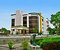 Iloilo Mission Hospital (Medical Arts Building).JPG