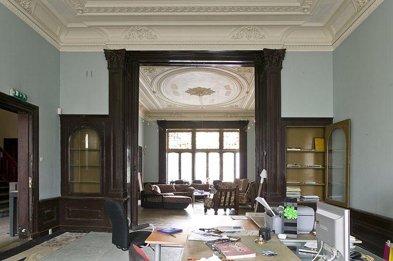 File interieur overzicht rechter achterkamer met for Hartman interieur rotterdam