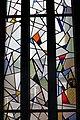 Interieur, overzicht van het onderste deel van het venster met glas-in-loodramen rechts in het koor - Paterswolde - 20531315 - RCE.jpg