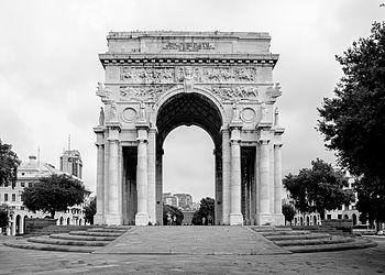 Italy Genova Arco di Trionfo Front 01.jpg