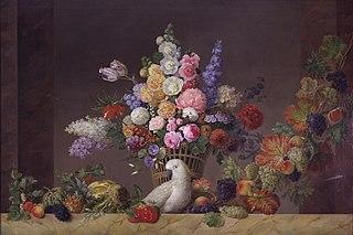 En kurv med blomster, en kakadue og en frugtranke
