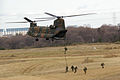 JGSDF 1st Airborne Brigade -rapeling 20080113(Narashino).JPG