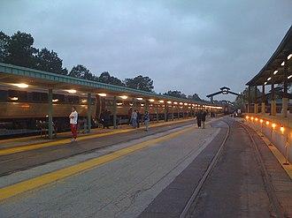 Jacksonville station - Station entrance