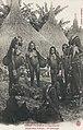 Jeunes filles Yakoma (Haut Oubangui).jpg
