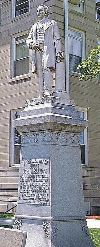 John Milton Elliott - Statue of Elliott at the Boyd County Courthouse at Catlettsburg, Kentucky