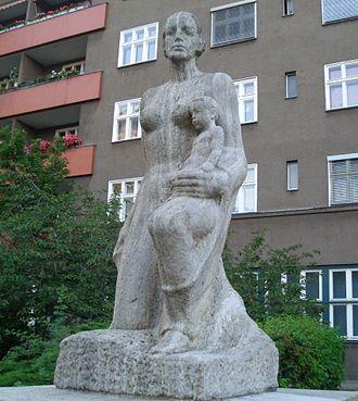 Josef Thorak - Josef Thorak's 1928 work Heim (Home), now located in Charlottenburg, Germany.