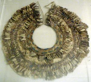 KV54 - Image: KV54 Floral Collar Metropolitan Museum
