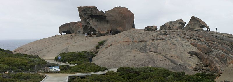 Remarkable Rocks by http://commons.wikimedia.org/wiki/User:Sam67fr
