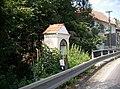 Kaplička v Chýnově u mostu (Q80459244).jpg