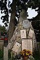 Kath. Pfarrkirche hl. Martin und Friedhof - Kriegerdenkmal am Friedhof.JPG
