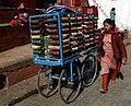 Kathmandu-Durbar Square-94-Armringe-Verkaeuferin-2007-gje.jpg