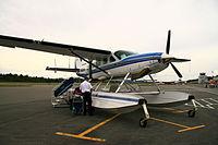 Kenmore Air Cessna 208 (1299917253).jpg