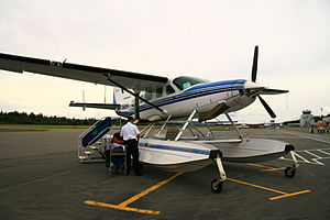 Campbell River Airport - Image: Kenmore Air Cessna 208 (1299917253)