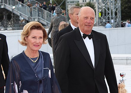 King Harald V and Queen Sonja of Norway (reigning since 1991) in 2012. Kong Harald og Dronning Sonja - Kino 2012.JPG