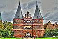 Lübeck Holstentor (8539598478).jpg