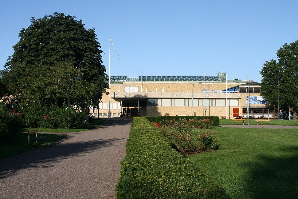 LA2 Ostergotlands lansmuseum Raoul Wallenbergs plats