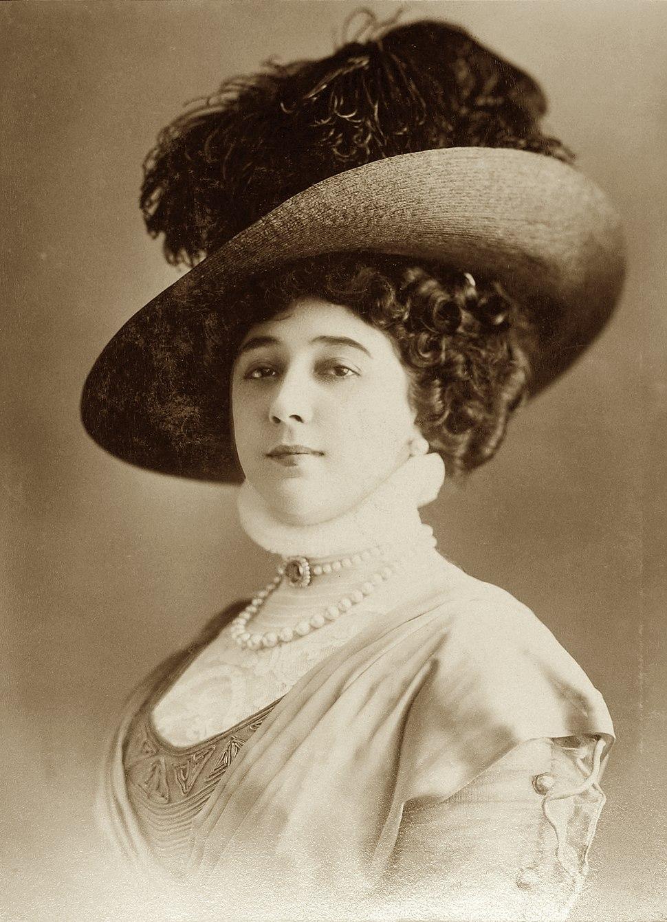 La Belle Otero, par Jean Reutlinger, sepia