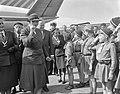Lady Baden Powell in Nederland, inspectie van padvinders(sters) op Schiphol, Bestanddeelnr 914-1928.jpg