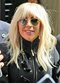 Lady Gaga 01 (37179101655) (cropped).jpg